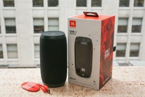 JBL Link 10 Powered By Google Assistant
